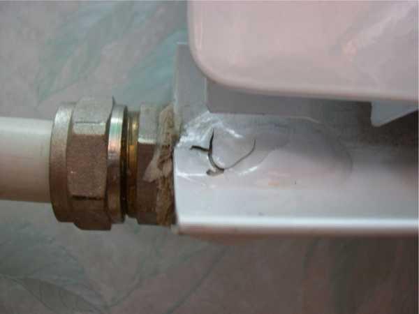 Протечка в пробках и швах радиаторов отопления