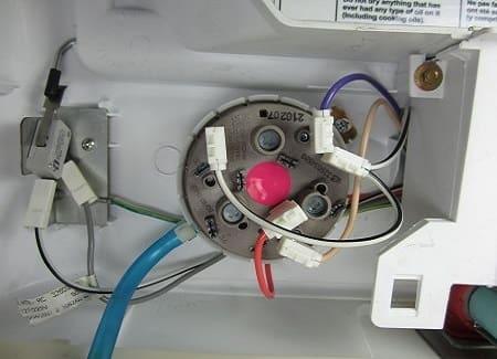 Датчик уровня стиральной машины Бош